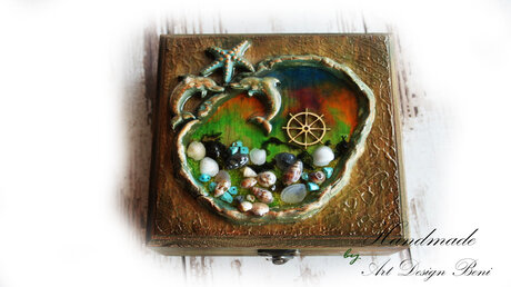 "Aged, vintage, wooden box ""Seabed"""